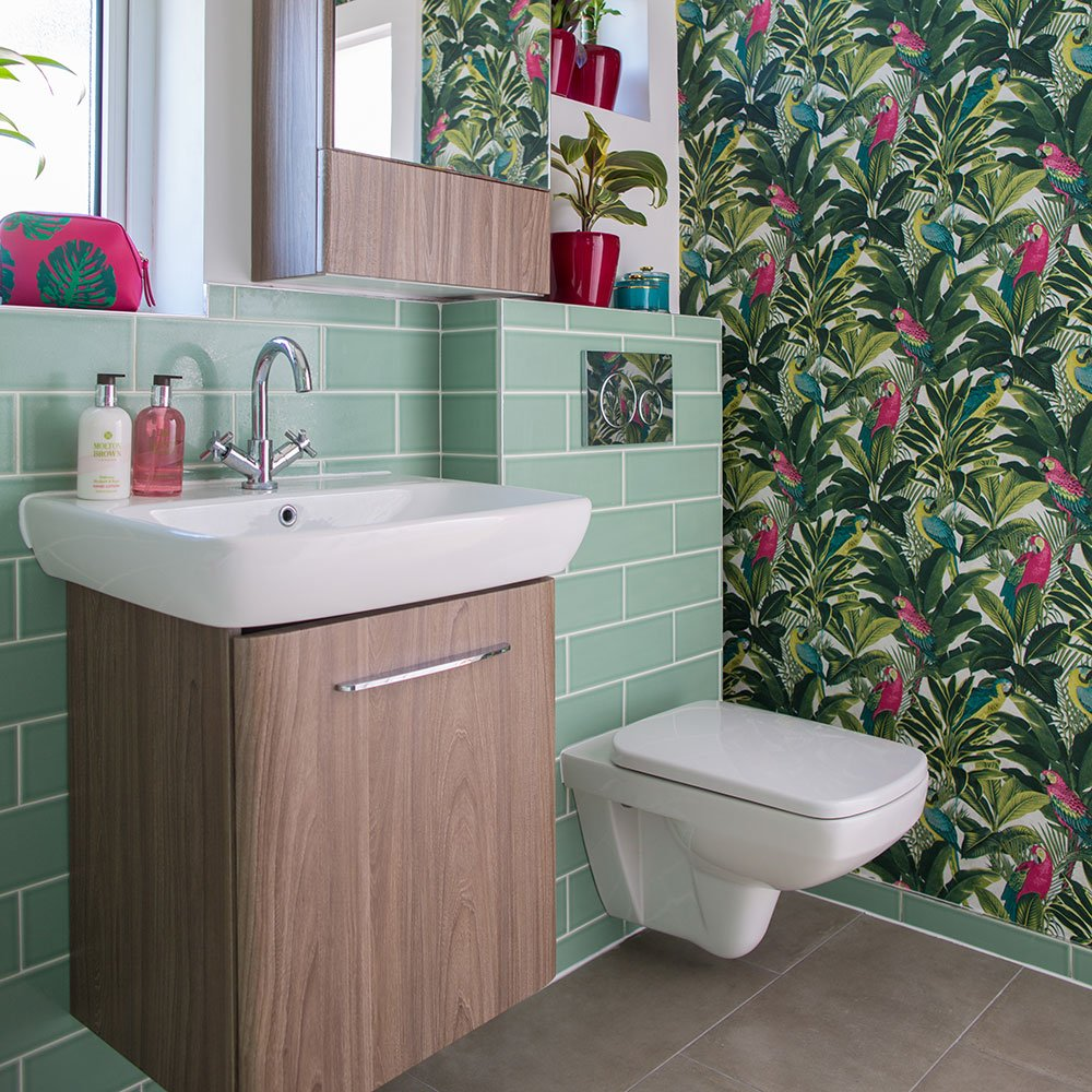 Bathroom Ideas: Is Vinyl Wallpaper Waterproof?